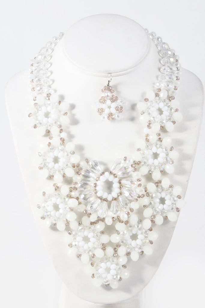 White Floral Elegant Luxury Necklace