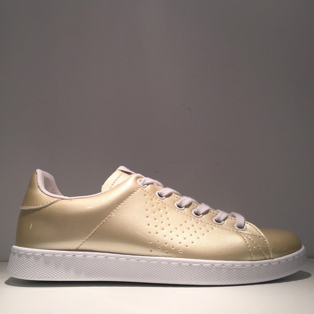 Fashion Glossy Gold Sneaker