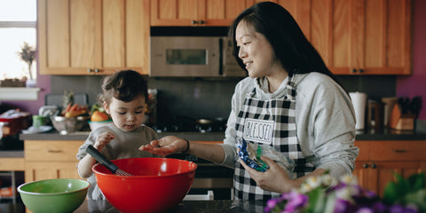 parenting-tips-with-infants-growing-to-be-toddlers-cooking-together