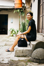 Load image into Gallery viewer, Kato Linen Bag - Black