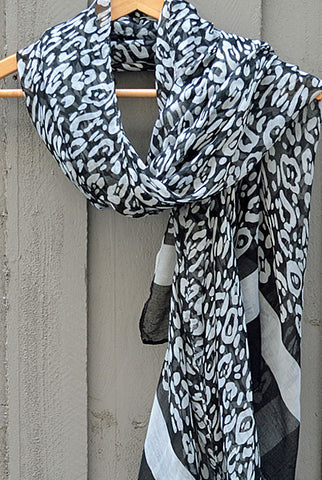 Scarf Black & White Leopard