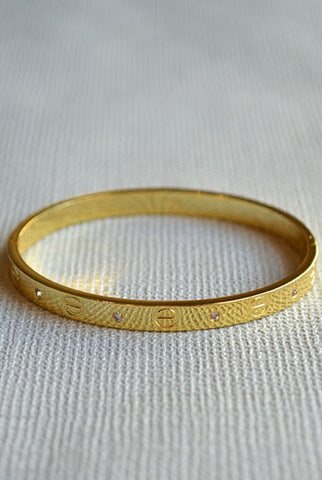 Love Me Bangle Gold