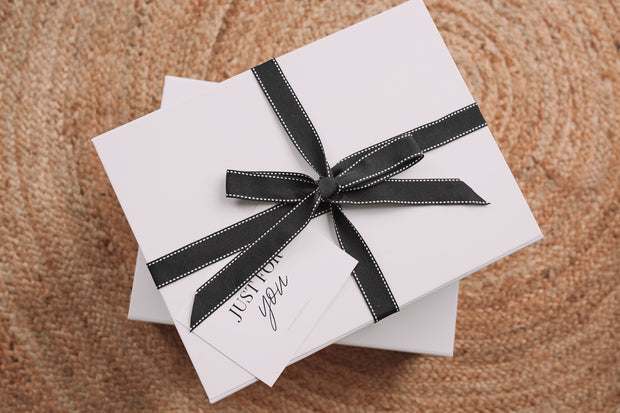 Gift Wrapping - White