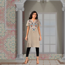 Load image into Gallery viewer, Ishana Embroidered Kurta