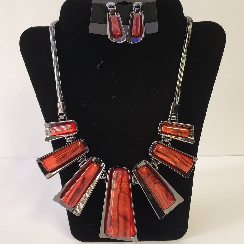 Hemi/Red Bars Necklace Set