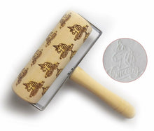Laden Sie das Bild in den Galerie-Viewer, Christmas Embossing Rolling Pin