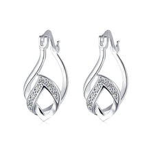 Laden Sie das Bild in den Galerie-Viewer, Trible  French Lock Hoop Earring in 18K White Gold Plated