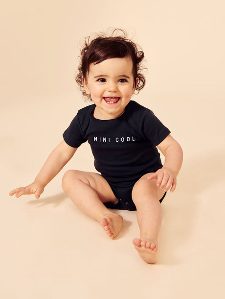 Le body Mini cool en coton biologique