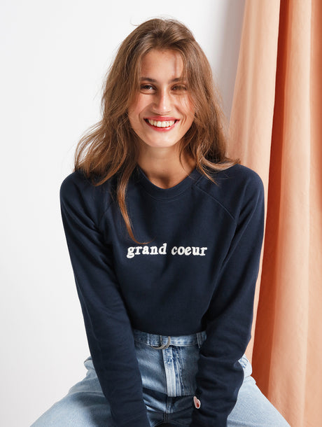Le sweat Grand cœur en coton bio - charbon