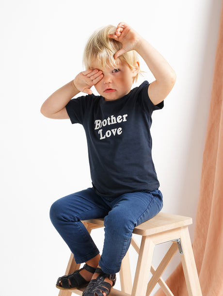 Le t-shirt Brother love en coton bio - bleu charbon