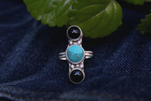 Load image into Gallery viewer, Turquoise and Onyx Ring