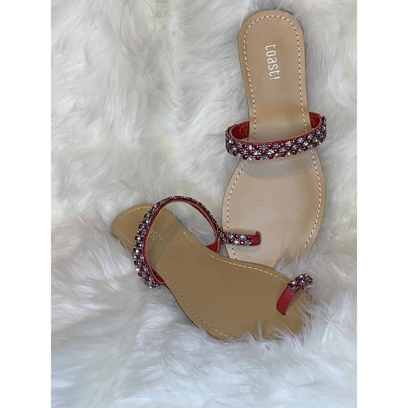 Red toe ring slides