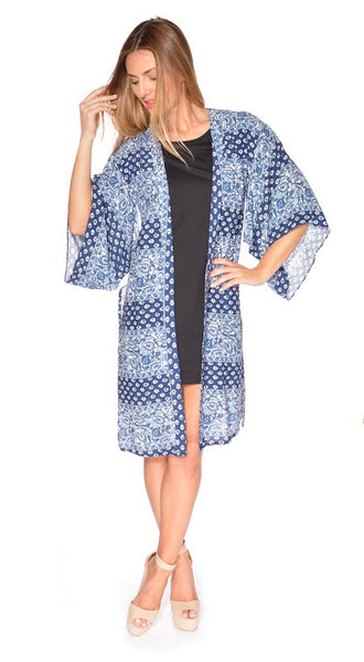 Giovana Kimono by Electric Honey  front