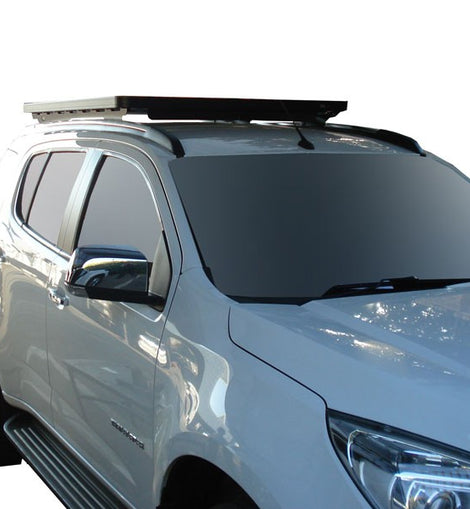 This 1560mm/61.4'' long full-size Slimline II cargo roof rack kit contains the Slimline II Tray, Wind Deflector and 2 Foot Rails to mount the Slimline II Tray to your Chevrolet Trailblazer (2012-Current).