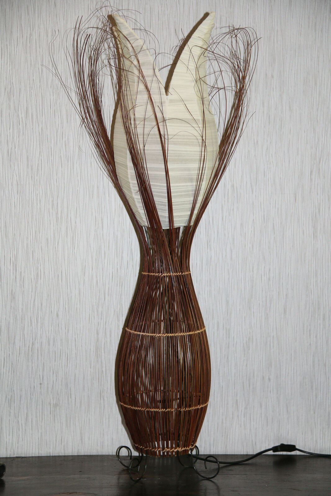 NEW Balinese Lotus Lamps 3 Colour Choices!! **SALE**SALE**SALE** Stunning Lamp!!
