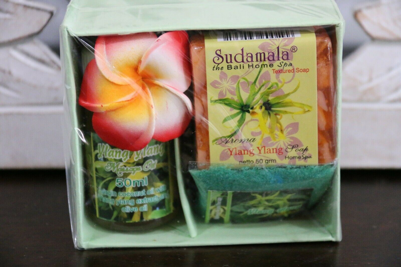 NEW Balinese Spa Gift Box - Consists of soap, fragrant oil + Bath salts