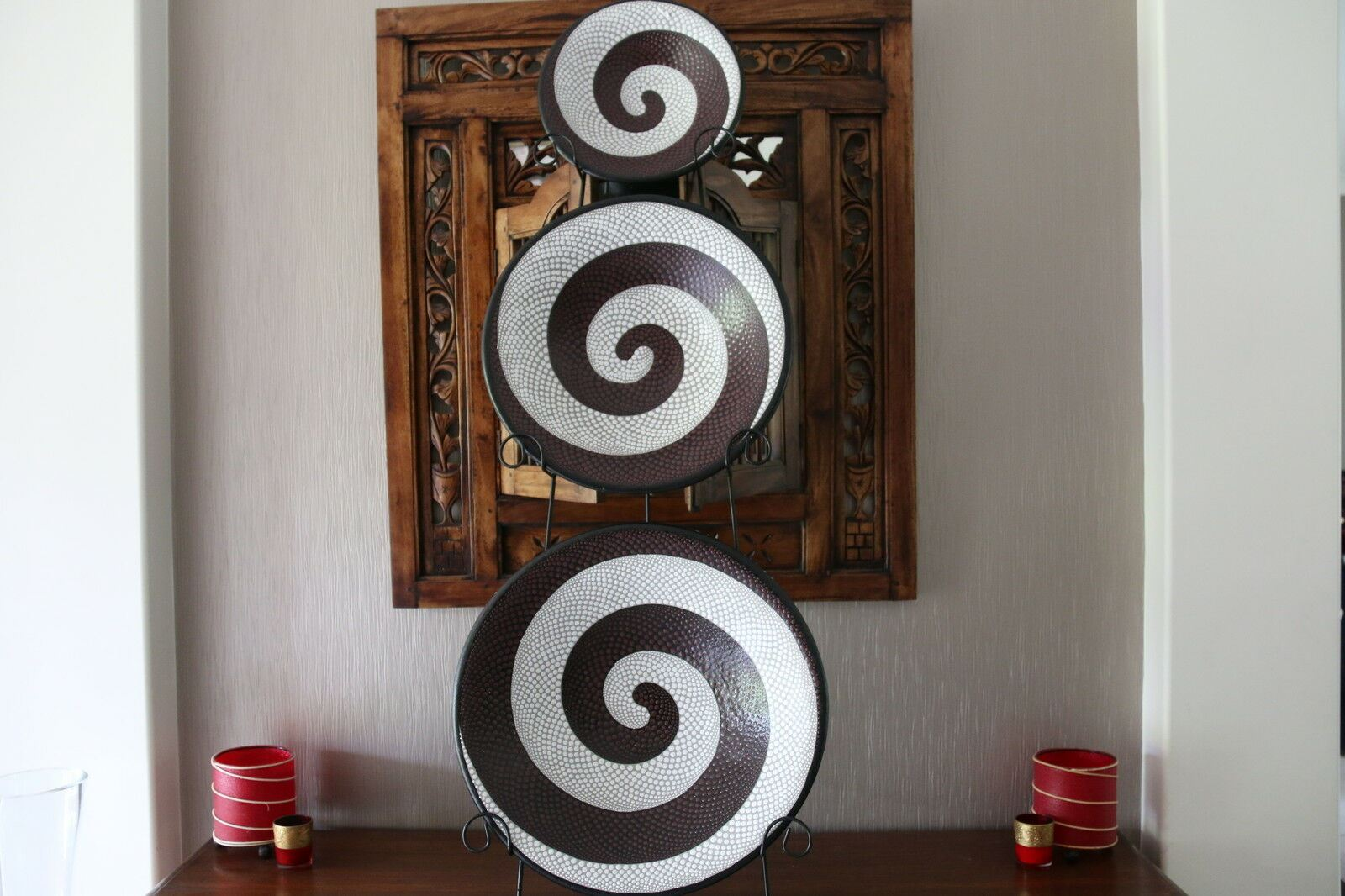 Brand New Balinese Dot Art Hand Crafted Plates - Dot Art Yin Yang Plate - Bali
