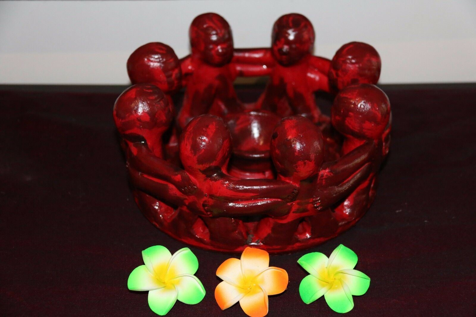 NEW Circle of Friends Candle Holder - Bali Circle 8 Friends RED or GREEN