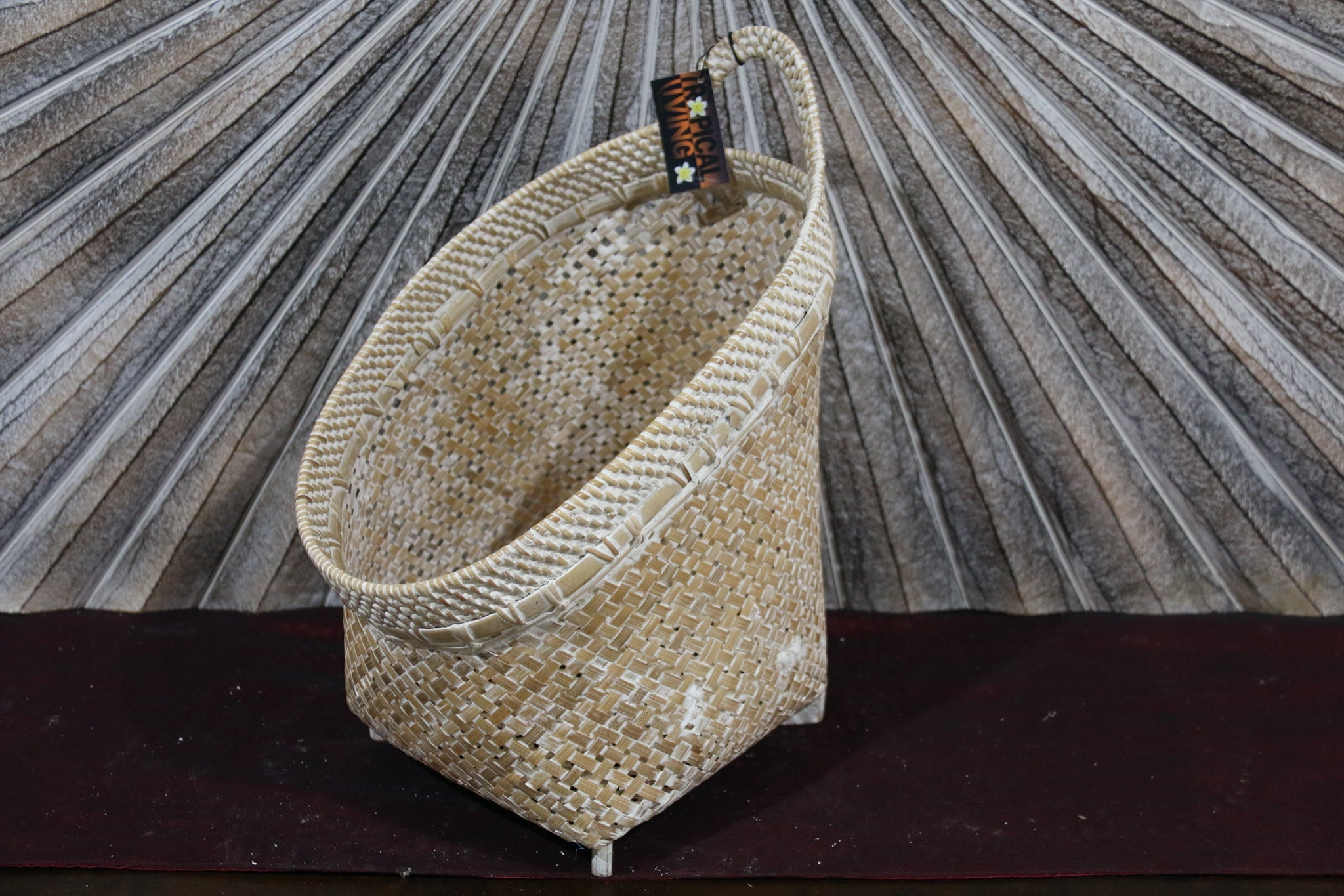 NEW BALINESE HAND WOVEN BAMBOO / RATTAN OPEN BASKET Large