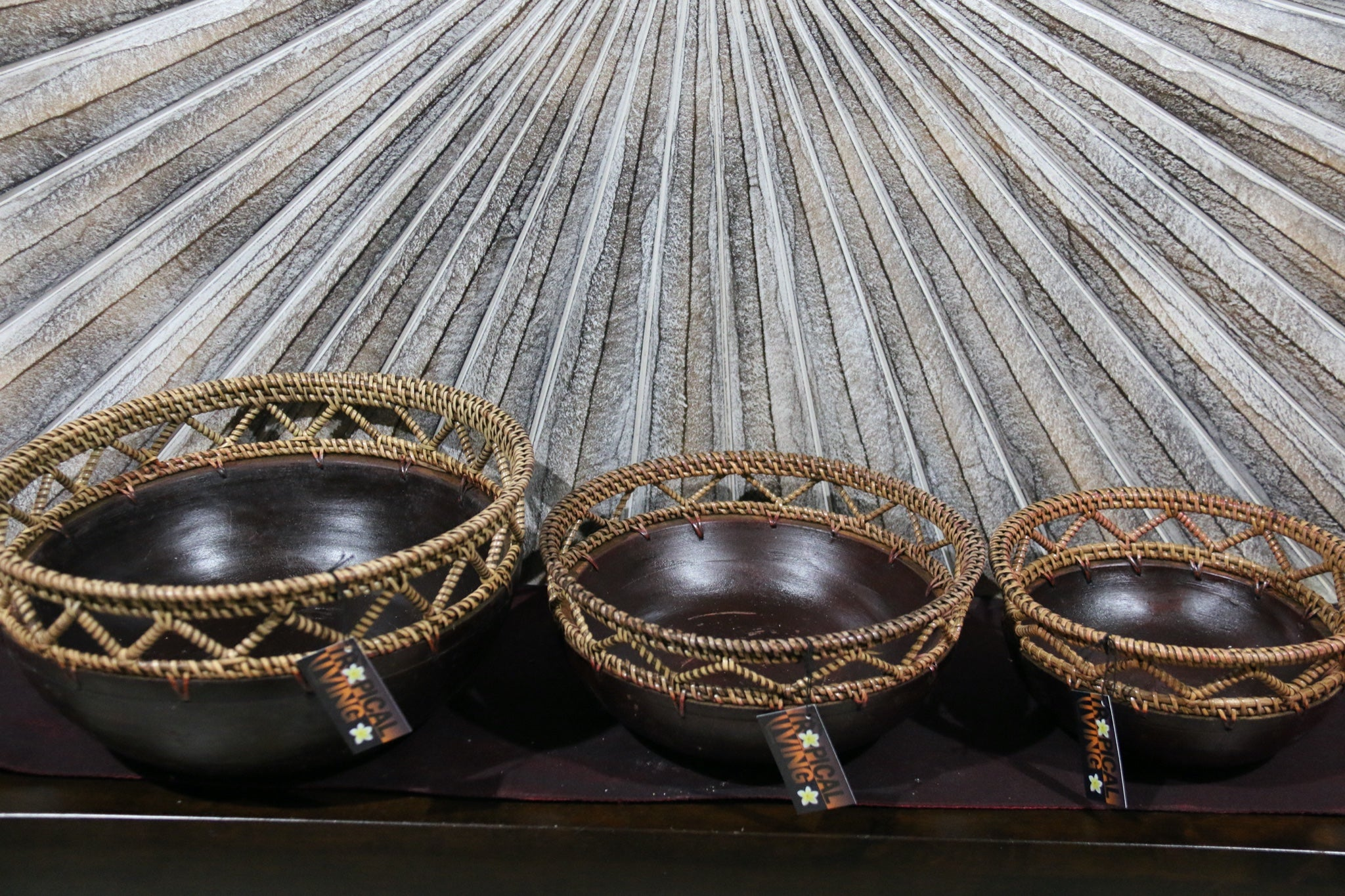 NEW BALINESE HAND CRAFTED WOOD/RATTAN COMBO BOWL Large