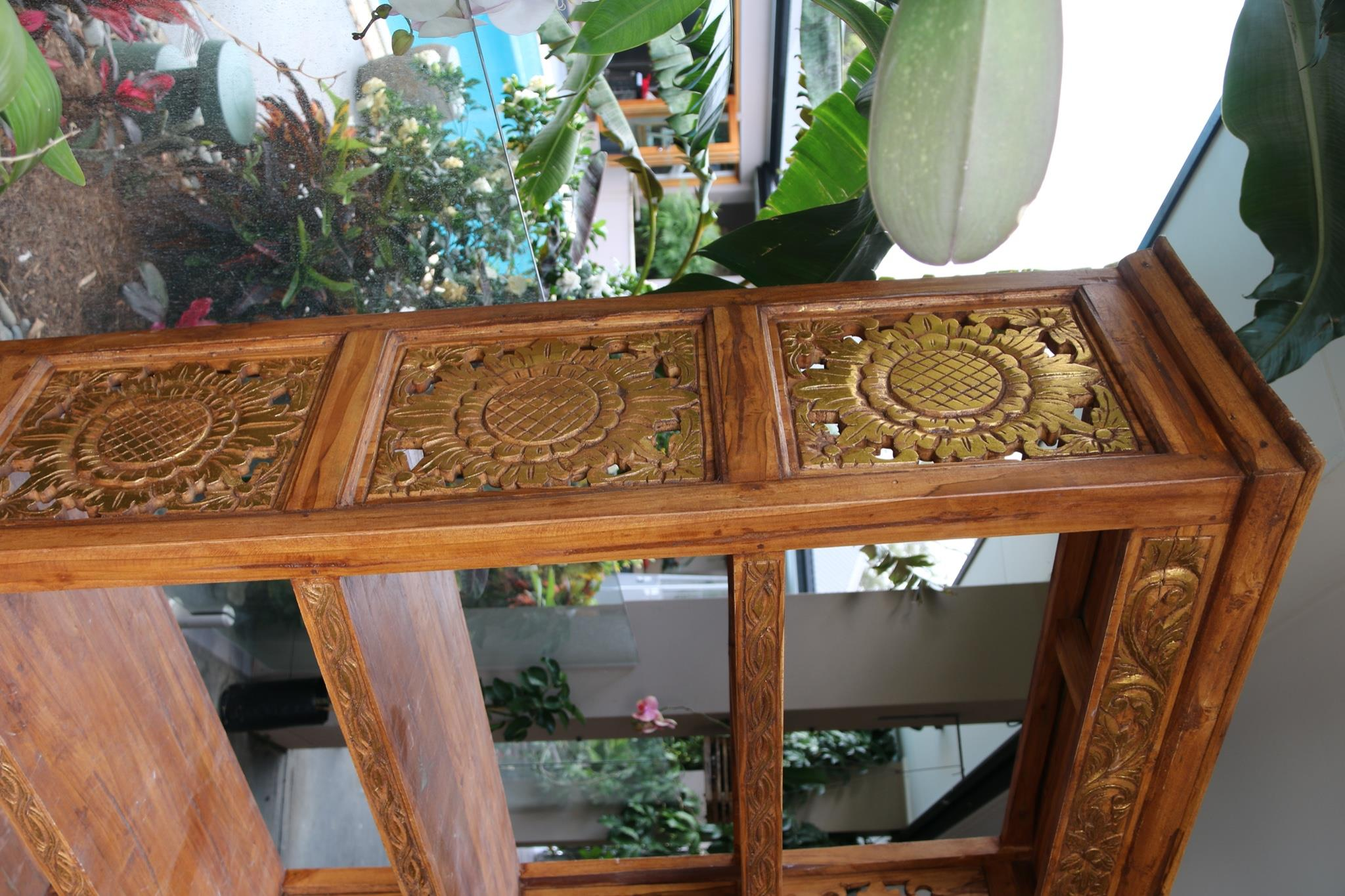 NEW BEAUTIFULLY HAND CARVED & CRAFTED TEAK WOOD BALINESE BOOK SHELF UNIT