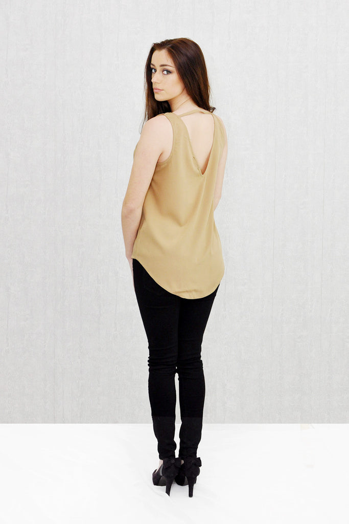 Annie Curve Hem V-Neck Front and Back Shell Camel