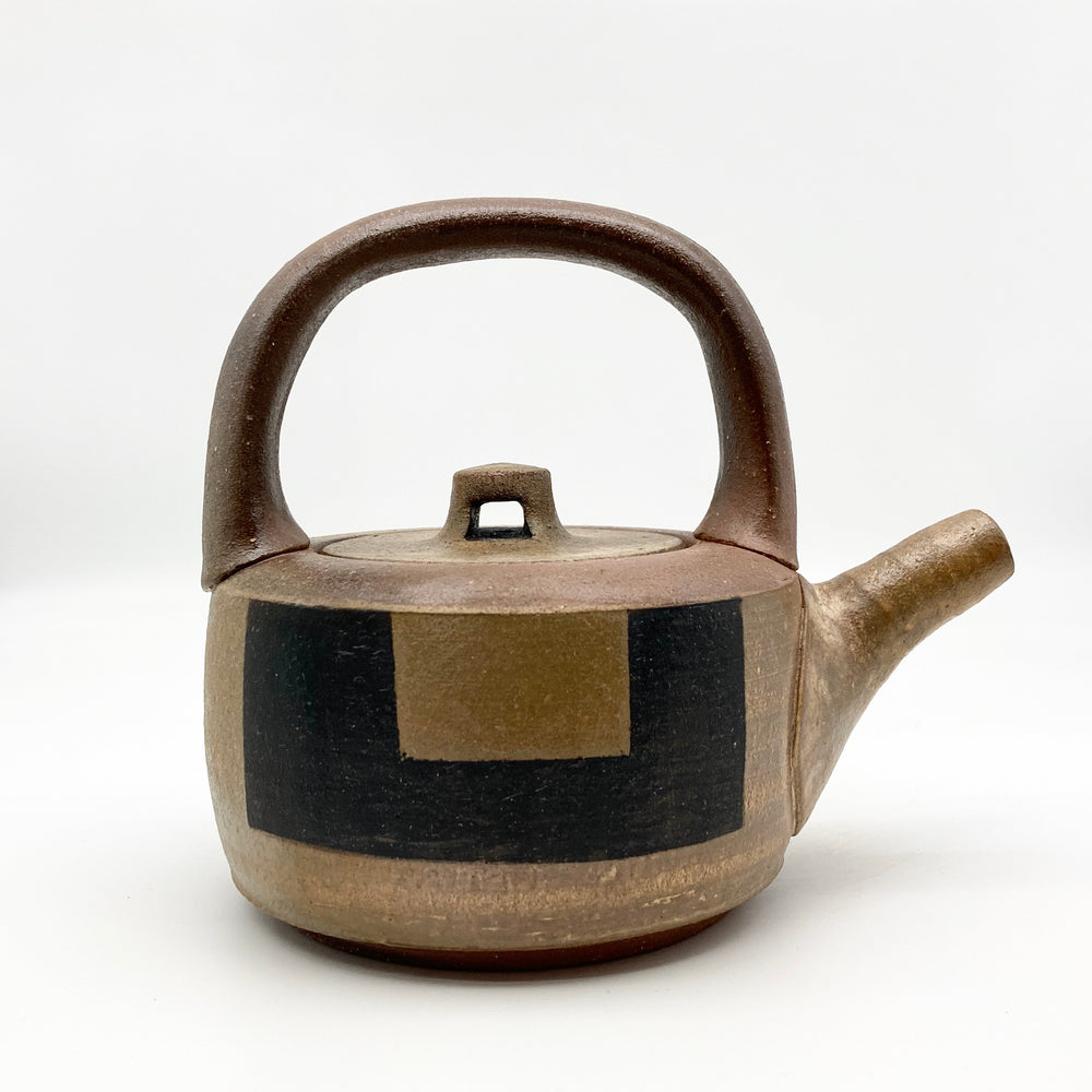 Teapot with Thick Black Line