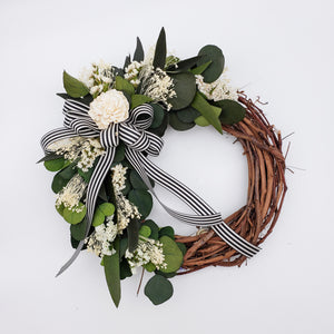 Load image into Gallery viewer, Wreath Grapevine Eucalyptus 12 Inch