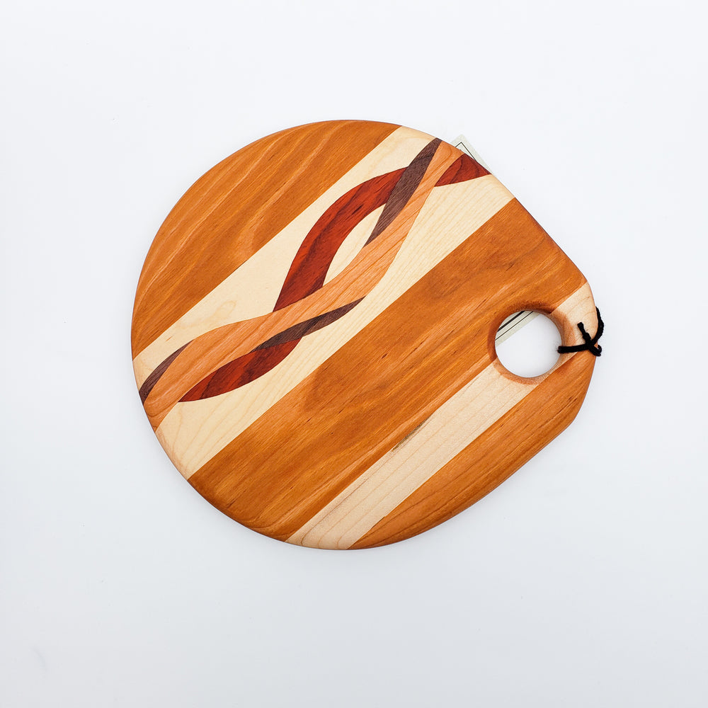 Wooden Cutting Board With Inlaid Design