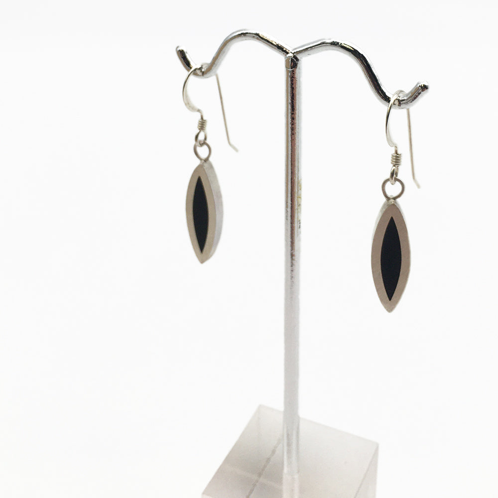 Load image into Gallery viewer, Black Seed Earrings