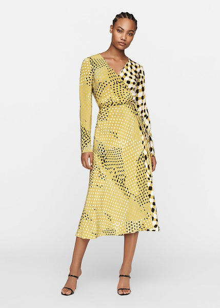 Diane Von Furstenberg Tilly Wrap Dress in Silk Crepe de Chine. Long Sleeves, Midi Length in Yellow and Black