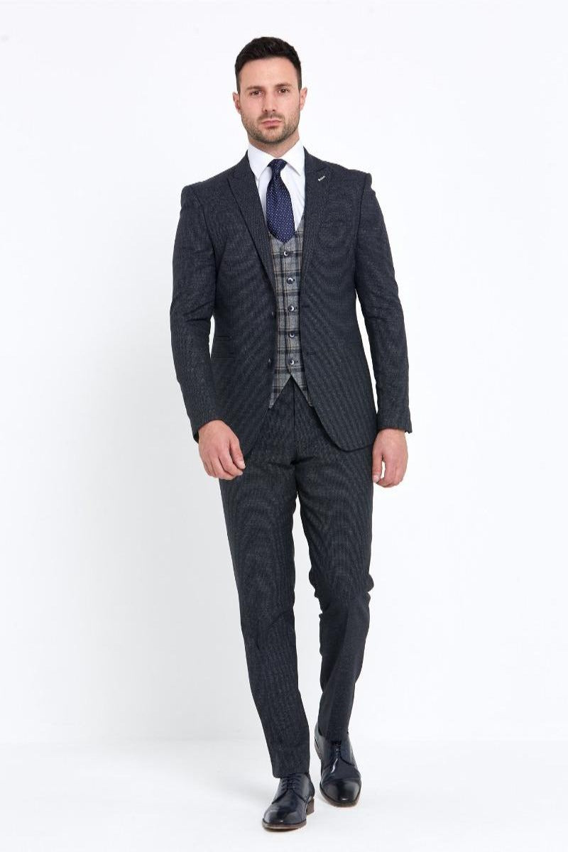 Benetti Donald 3 piece suit