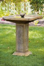 "Load image into Gallery viewer, 32"" Square Garden Bird Bath"