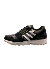 Load image into Gallery viewer, Adidas ZX 8000 Bape x Undefeated