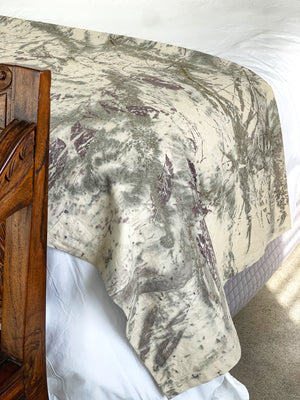 Load image into Gallery viewer, Hemp linen bed throw - Print 2/9May20