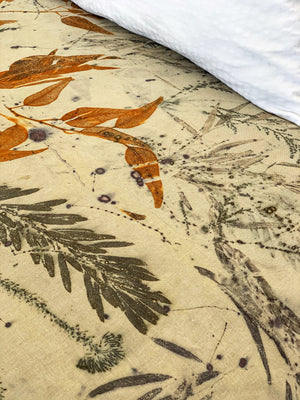 Load image into Gallery viewer, Hemp linen bed throw - Print 3/16Jul20