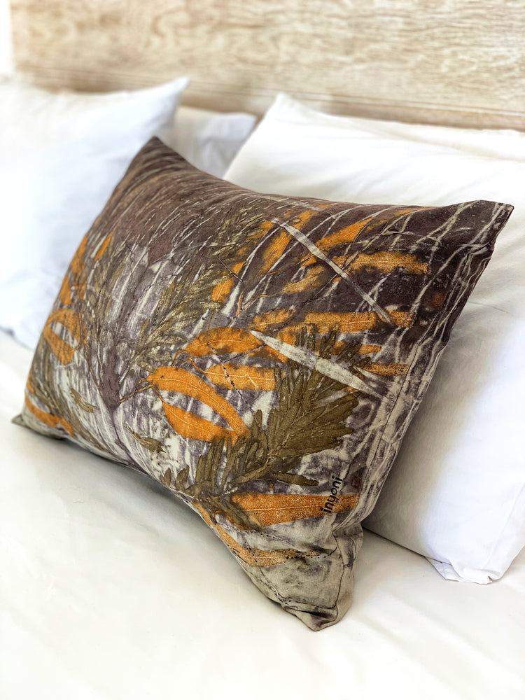 Load image into Gallery viewer, Hemp linen scatter cushion - Print 2/11Mar20