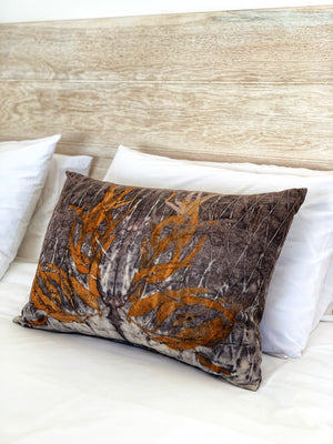 Load image into Gallery viewer, Hemp linen scatter cushion - Print 2/12Mar20