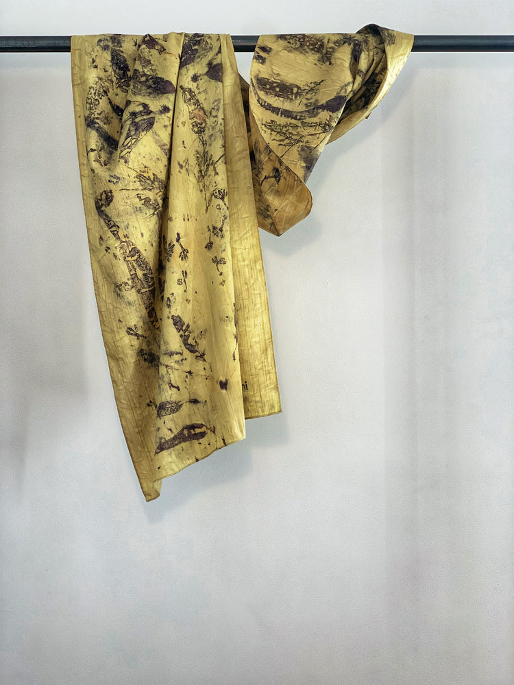 Load image into Gallery viewer, Dupioni silk scarf - Print 4/10Sep19