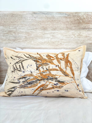 Load image into Gallery viewer, Hemp linen scatter cushion - Print 2/16Jul20