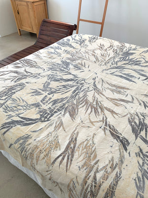 Load image into Gallery viewer, Flax linen bed throw - Print 3/4Nov20