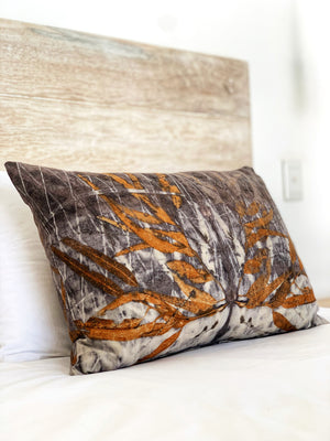 Load image into Gallery viewer, Hemp linen scatter cushion - Print 3/12Mar20