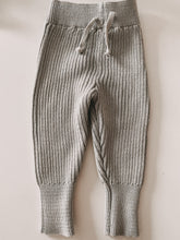 Laden Sie das Bild in den Galerie-Viewer, KNIT LEGGINGS MOONLIGHT