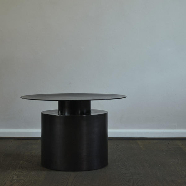 101 Copenhagen - Pillar Low - Sofabord - Burned Black - Ø65 cm