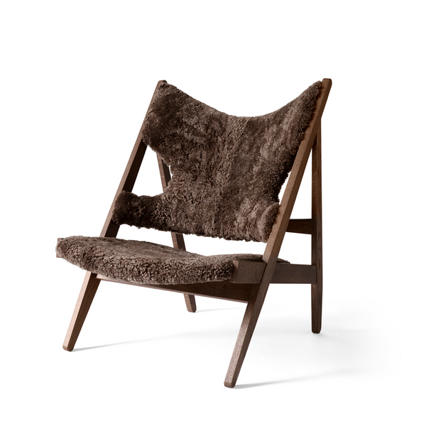 Menu - Knitting Chair - Lænestol - Mørk eg m. Sheepskin - Root
