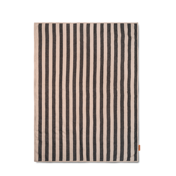 ferm LIVING - Grand Quilt - Tæppe - Sand & Sort