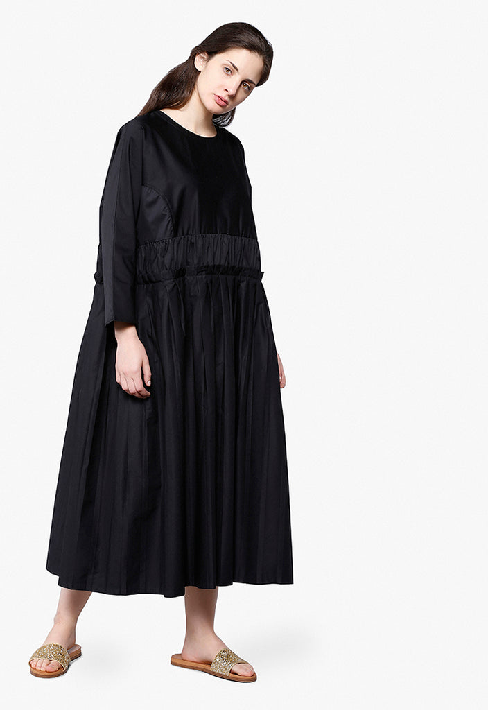 Oversized Pleated Dress - Fresqa