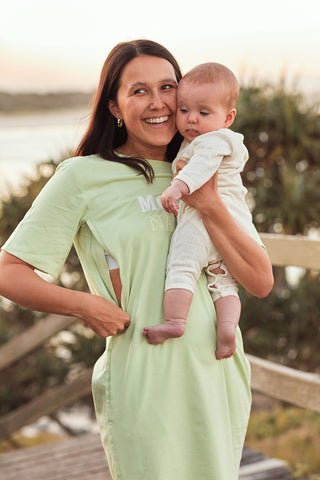 breastfeeding-friendly-dress-mother-nature-omm-label