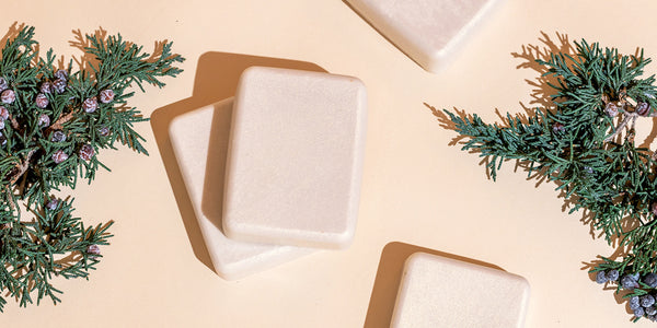 HOW TO MAKE DIY HOLIDAY MERRY MINT SOAP