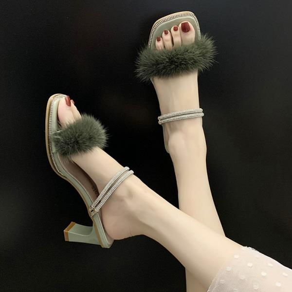 Female Shoes Womens Slippers Outdoor Luxury Slides Square heel Flock Fur Flip Flops Heeled Mules 2020 Designer Block Soft Plush